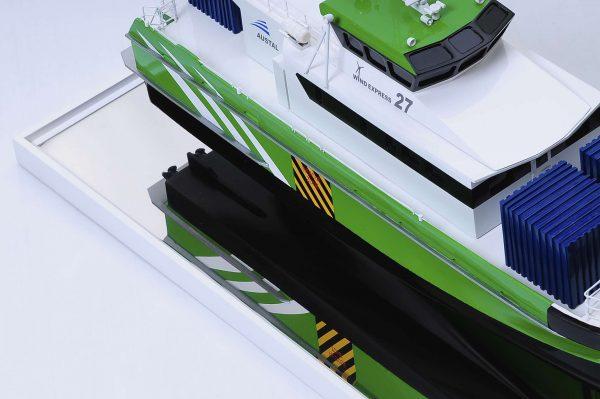 1440-4950-Wind-Express-27-Catamaran-Model
