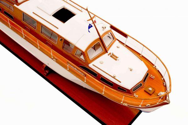 1473-4390-Starcraft-40-Model-Boat-Rajdhani