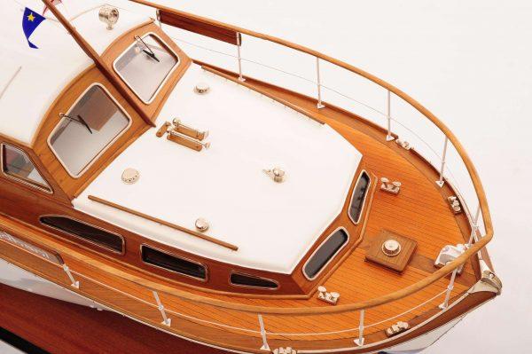 1473-4393-Starcraft-40-Model-Boat-Rajdhani