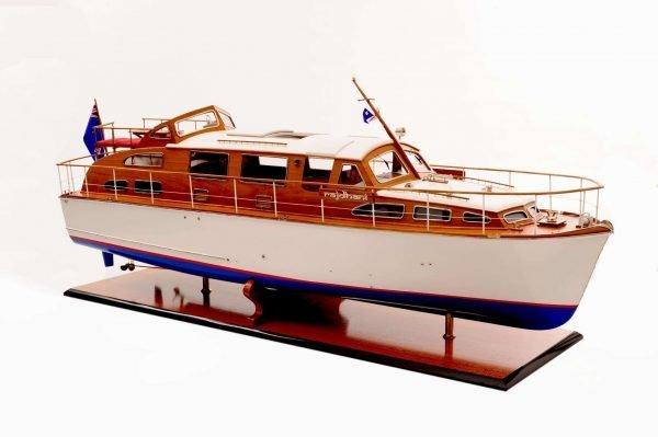 1473-4394-Starcraft-40-Model-Boat-Rajdhani