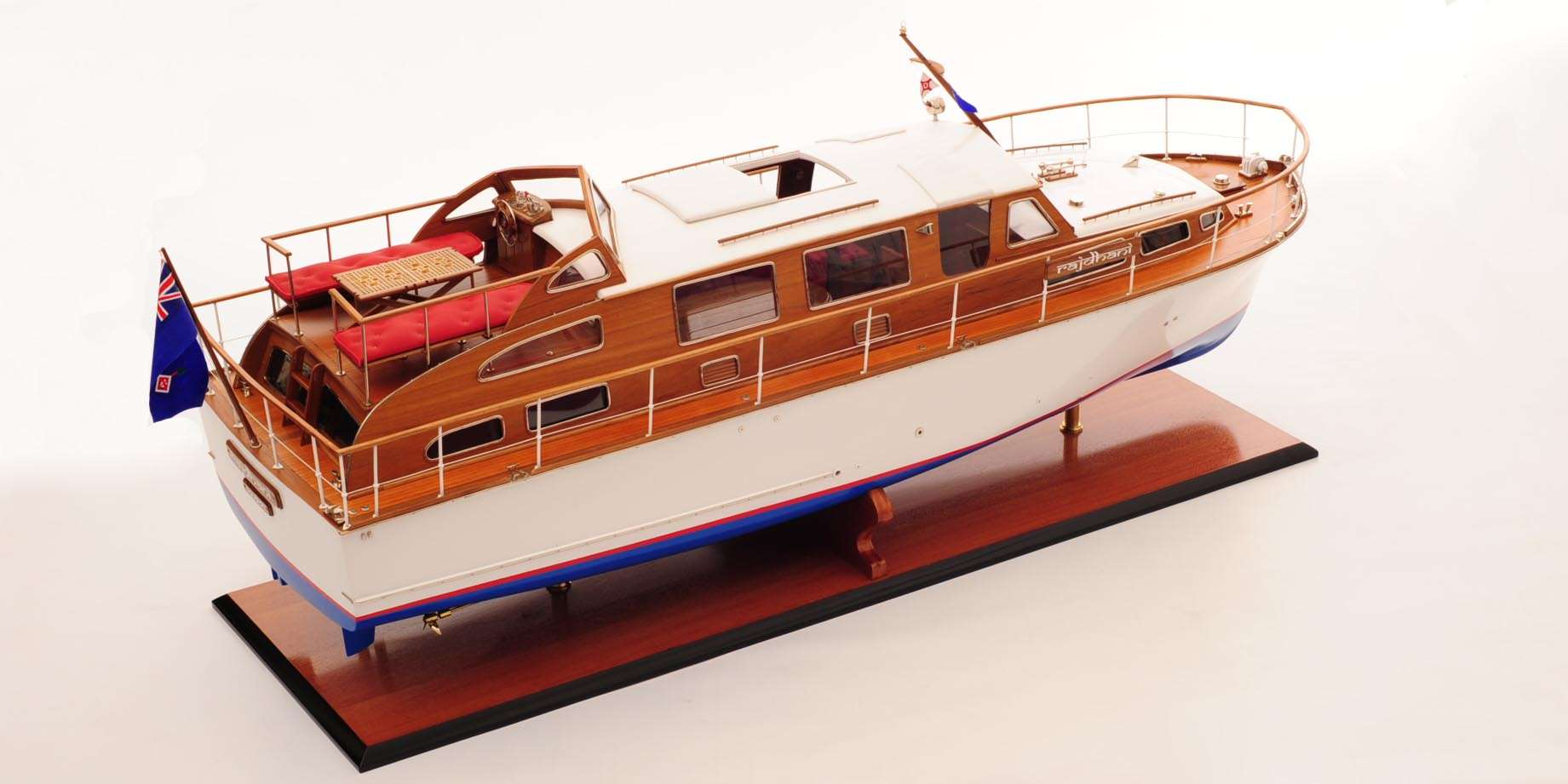 Starcraft 40 Model Boat (Rajdhani)