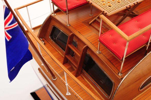 1473-4397-Starcraft-40-Model-Boat-Rajdhani