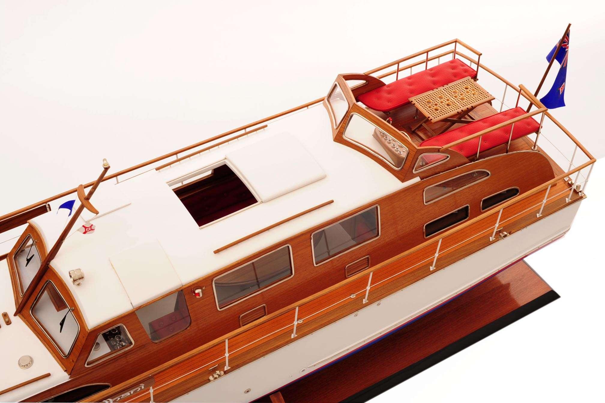 1473-4399-Starcraft-40-Model-Boat-Rajdhani
