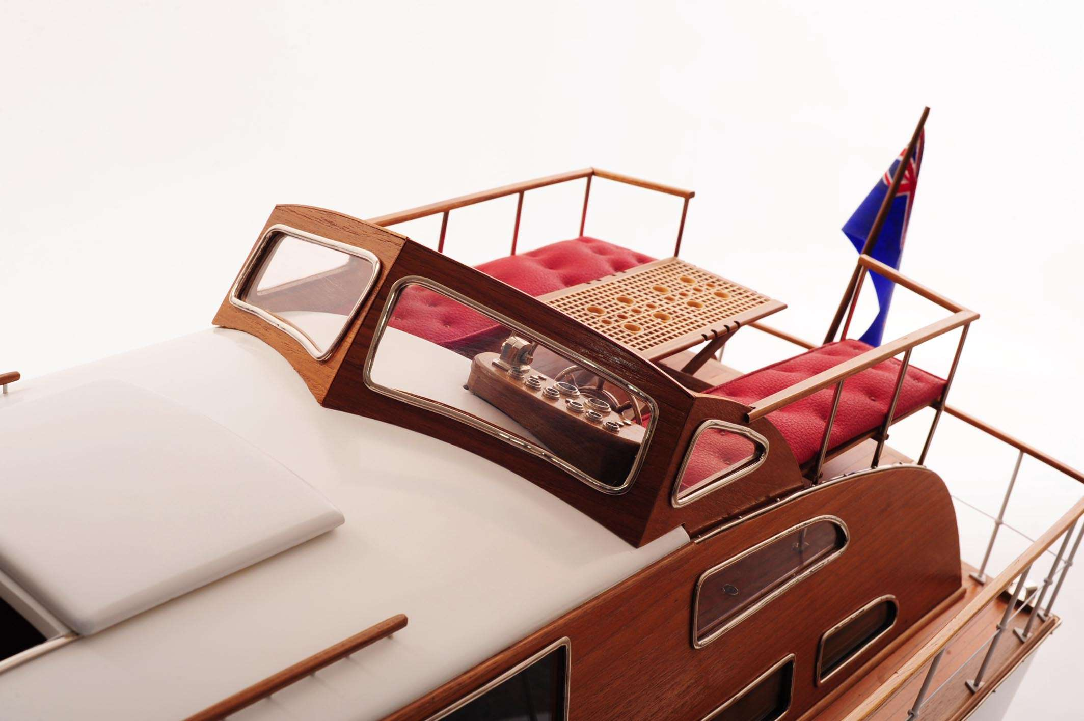 1473-4400-Starcraft-40-Model-Boat-Rajdhani