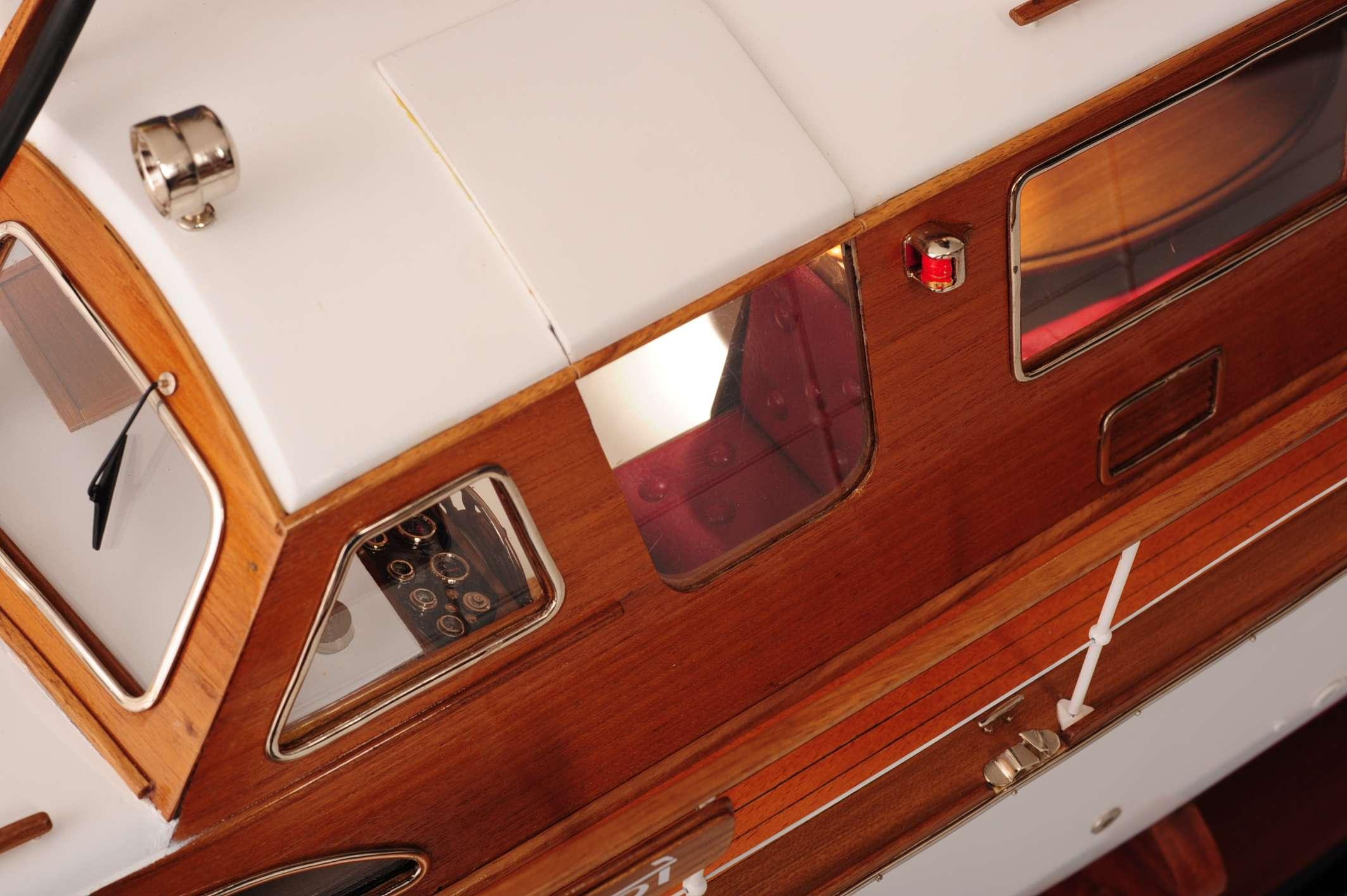 1473-4402-Starcraft-40-Model-Boat-Rajdhani