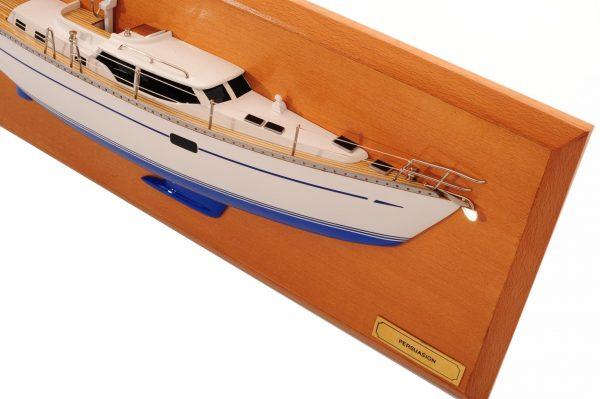 1482-8772-Oyster-45-Persuasion-Half-Model