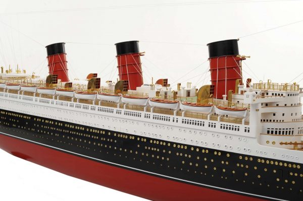 1484-4974-RMS-Queen-Mary-Model