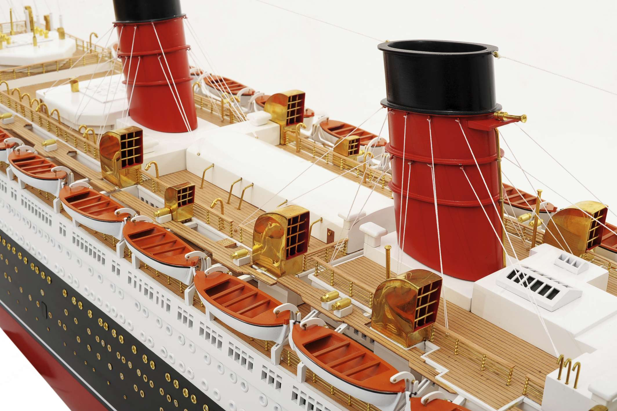 1484-4977-RMS-Queen-Mary-Model