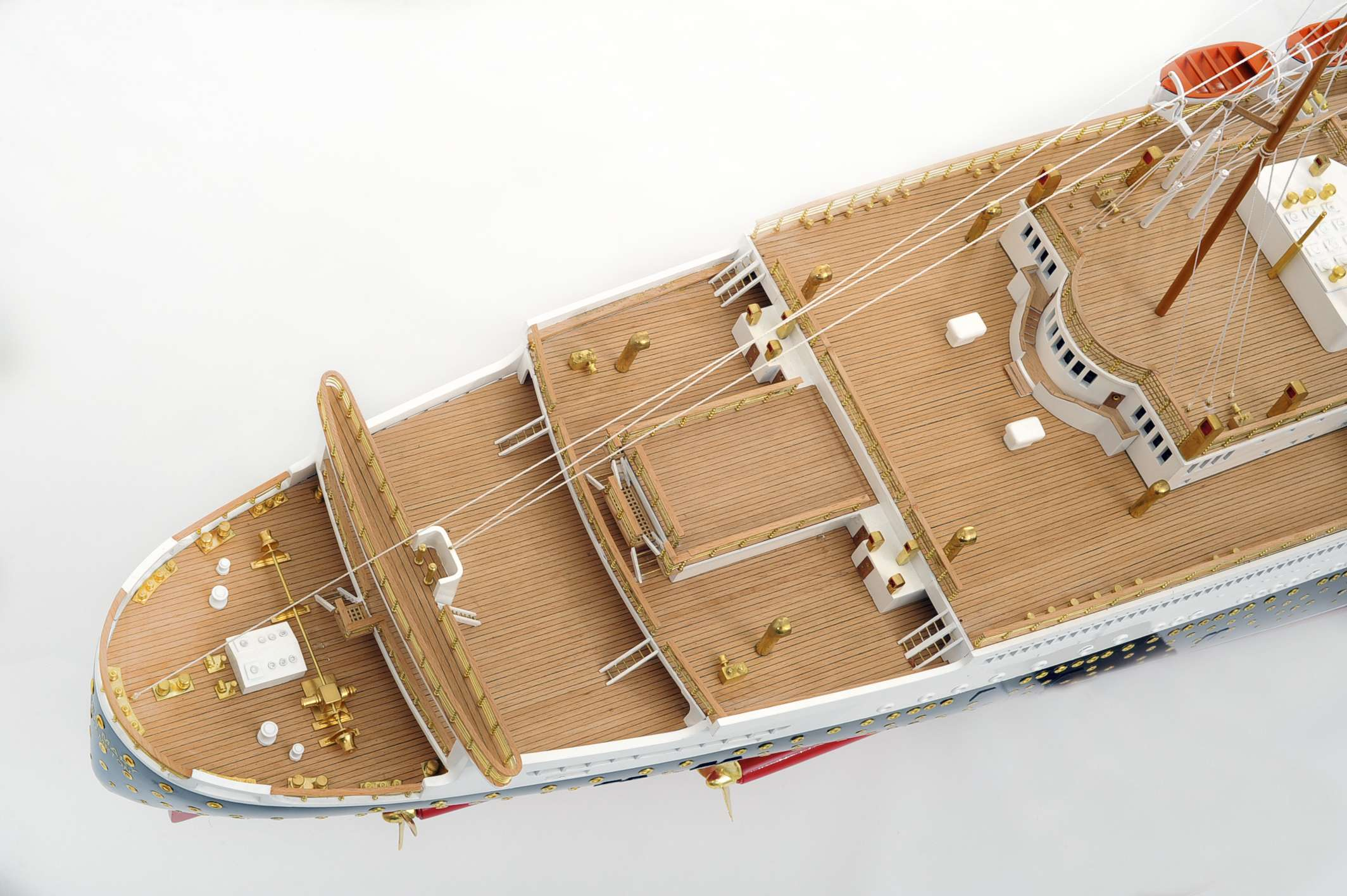 1484-4982-RMS-Queen-Mary-Model