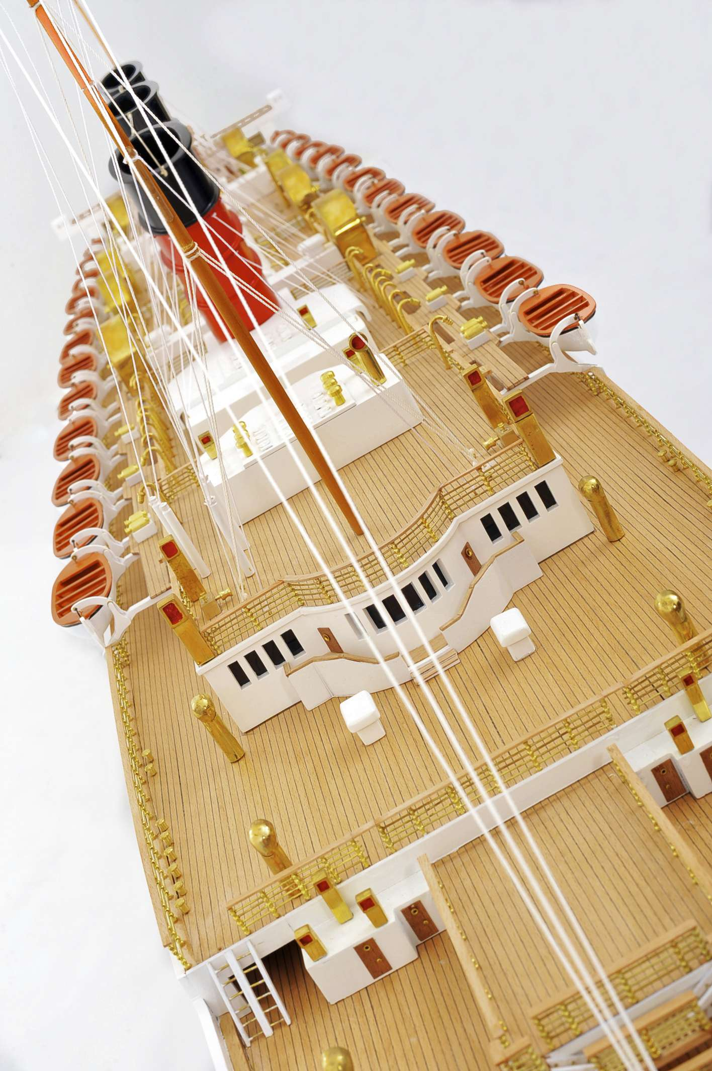 1484-4985-RMS-Queen-Mary-Model