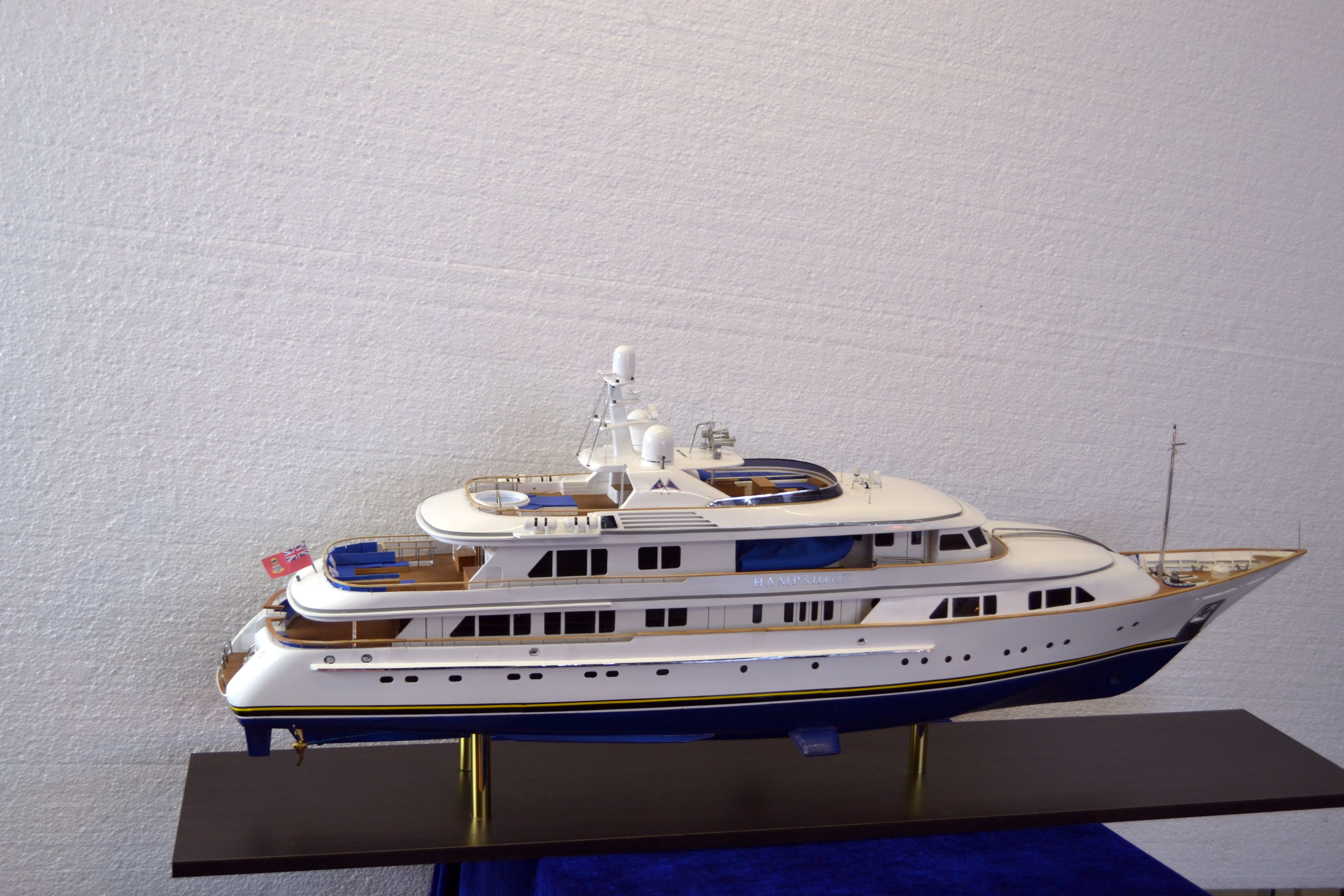 1492-6723-My-Hampshire-Custom-Built-Model-Yacht