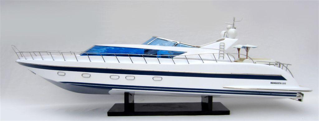 1503-8837-Mangusta-105-Model-Yacht