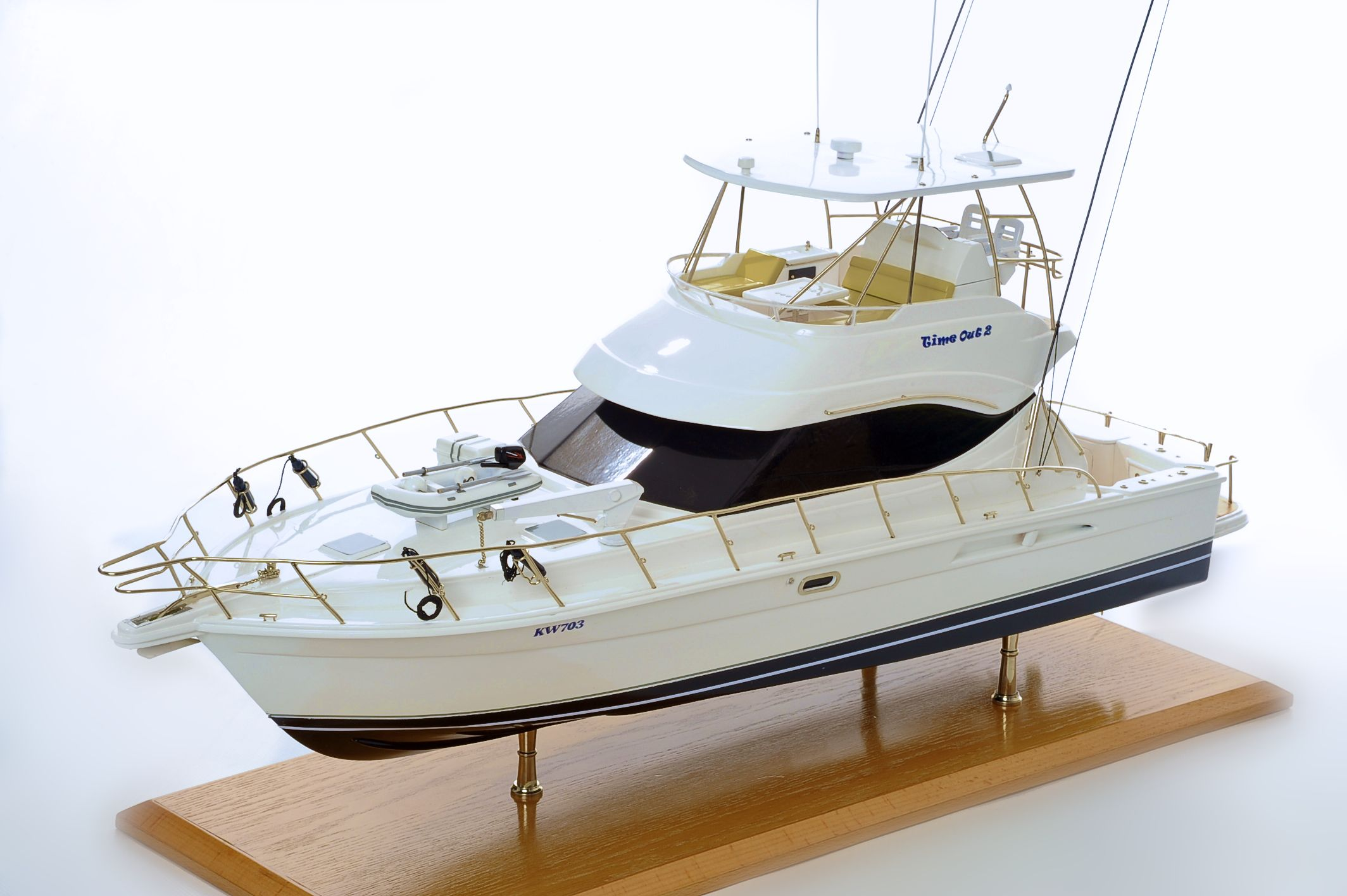 1517-8952-Rivera-45-Model-Boat-Time-Out-2