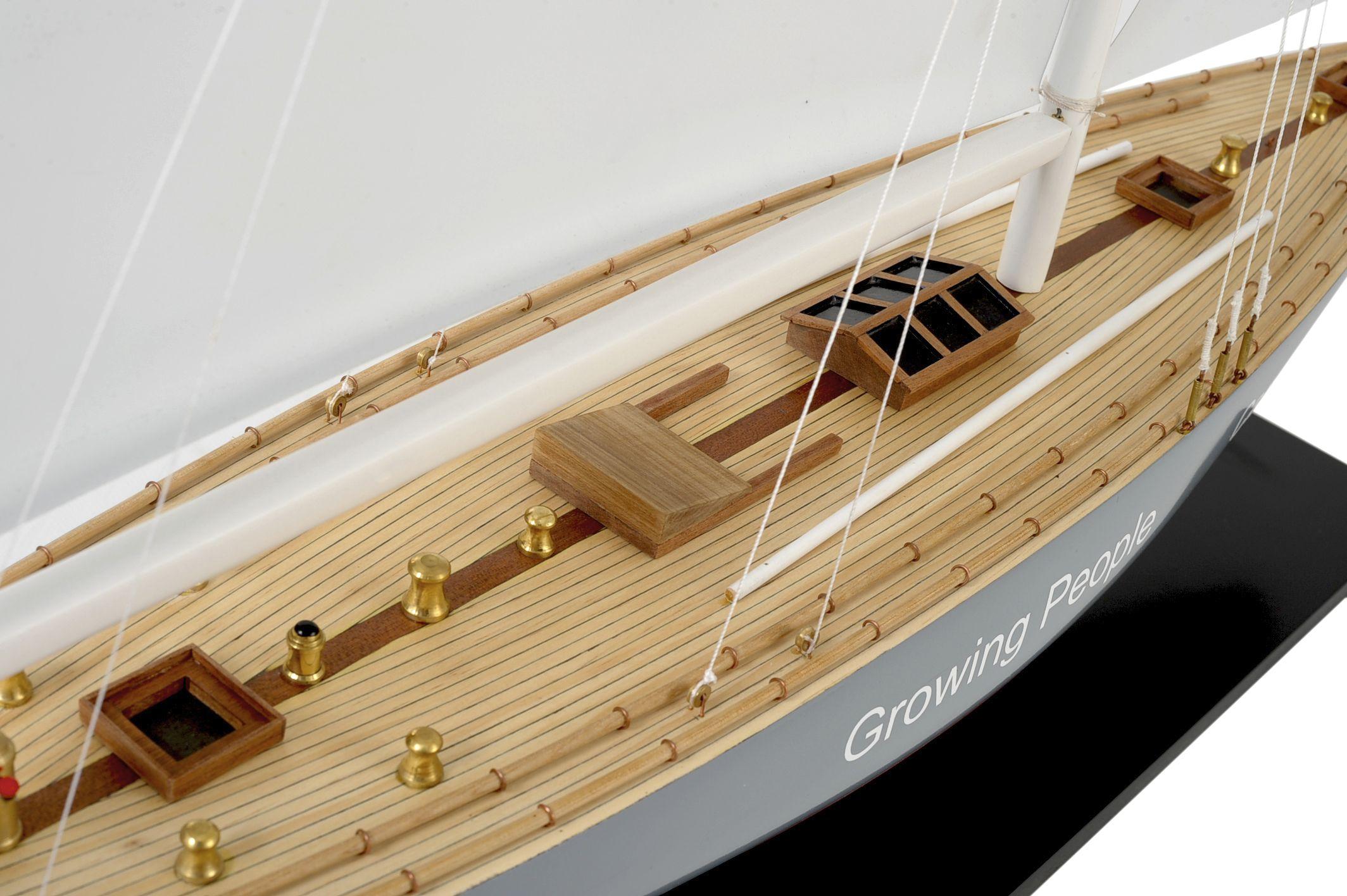 1519-8979-Enterprise-Model-Yacht