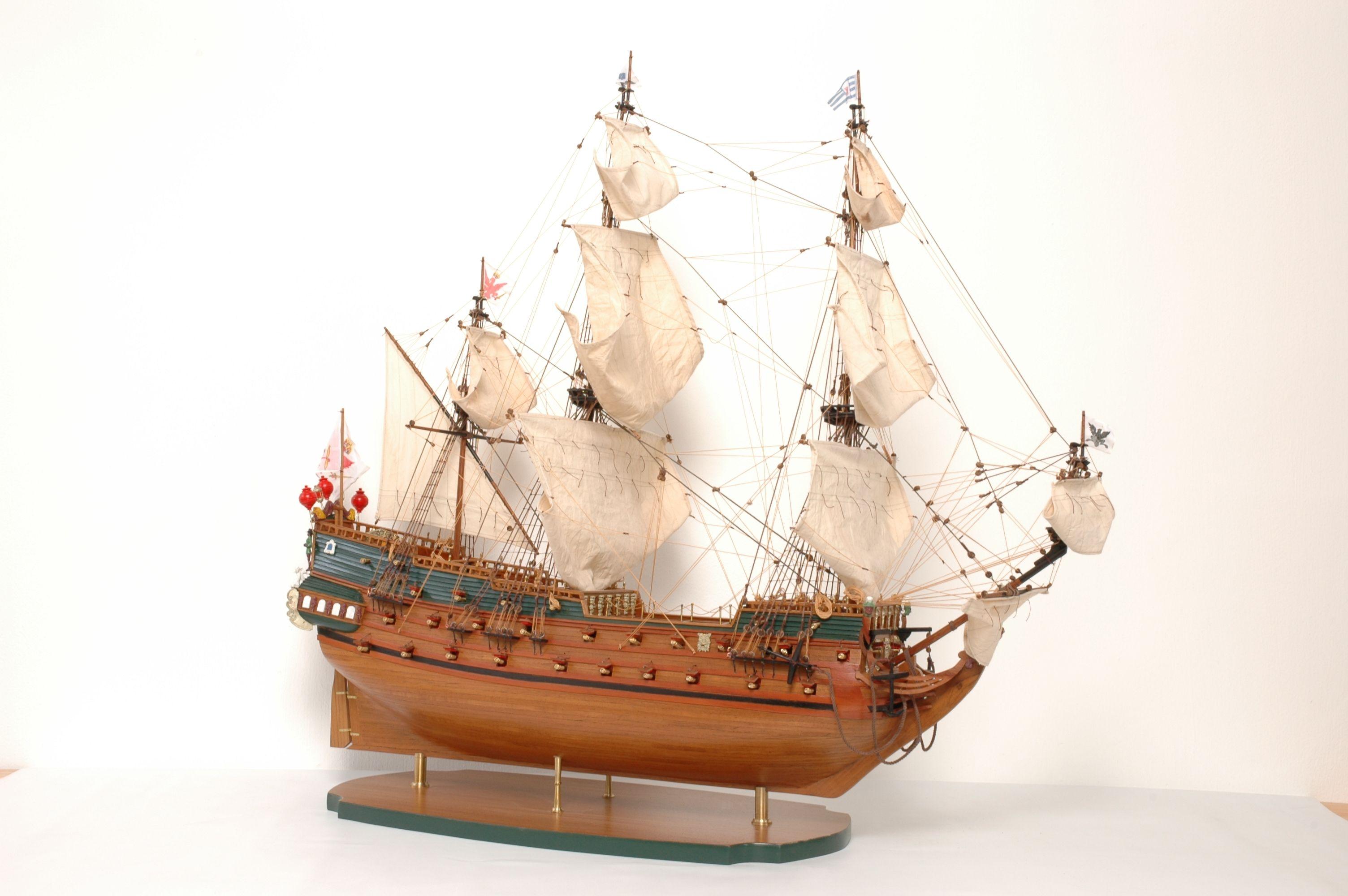 152-8209-Wappen-von-Hamburg-Ship-Model-Superior-Range