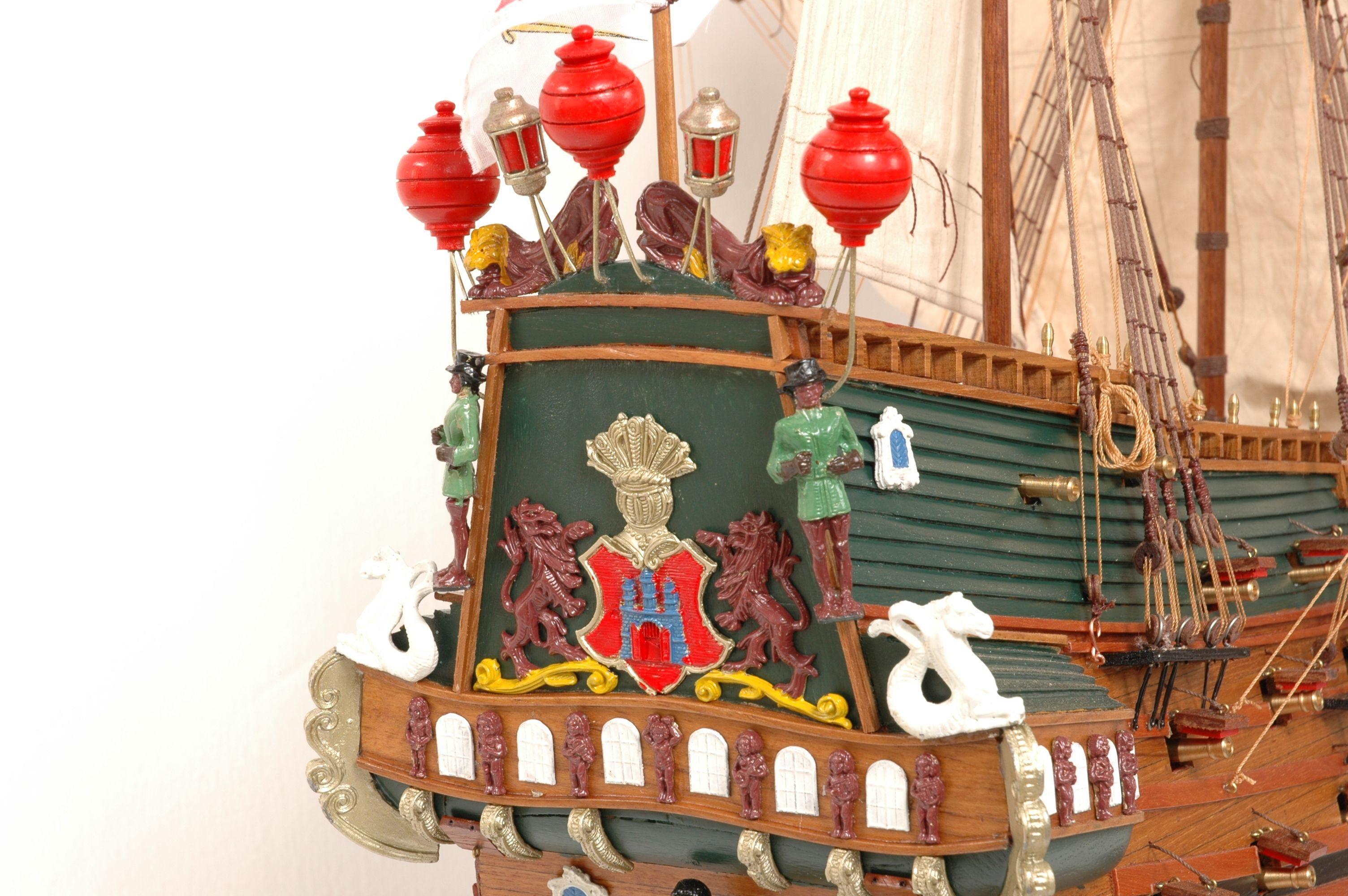152-8211-Wappen-von-Hamburg-Ship-Model-Superior-Range
