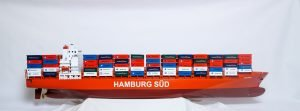 1527-9162-Hamburg-Sud-Container-Ship-Model
