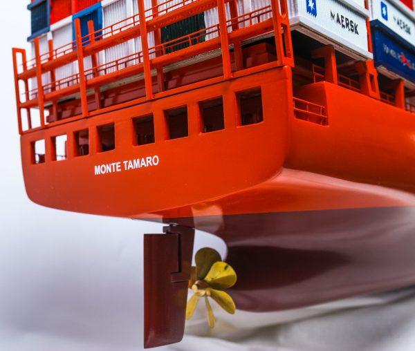 1527-9165-Hamburg-Sud-Container-Ship-Model