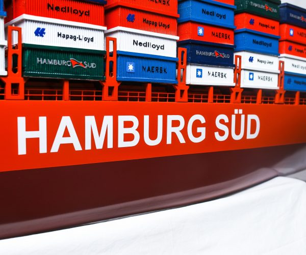 1527-9169-Hamburg-Sud-Container-Ship-Model