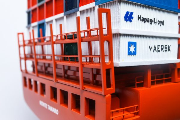 1527-9173-Hamburg-Sud-Container-Ship-Model