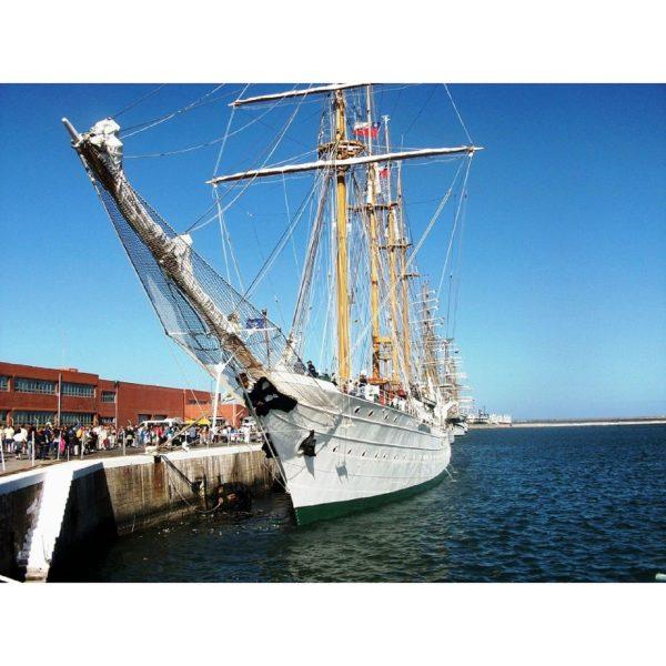 1608-9239-Esmeralda-Model-Boat-Kit-Special-Edition