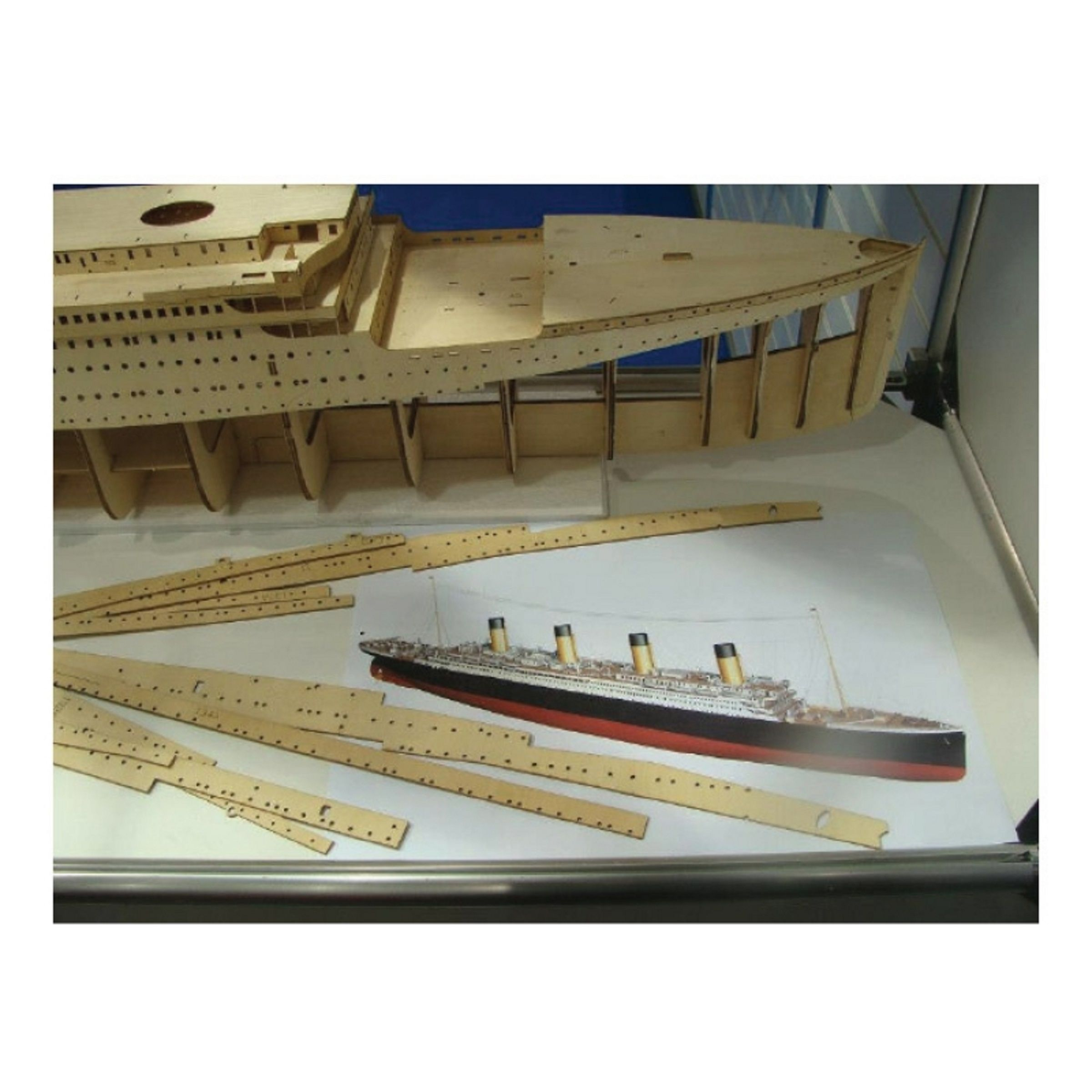 1611-9245-RMS-Titanic-Model-Boat-Kit