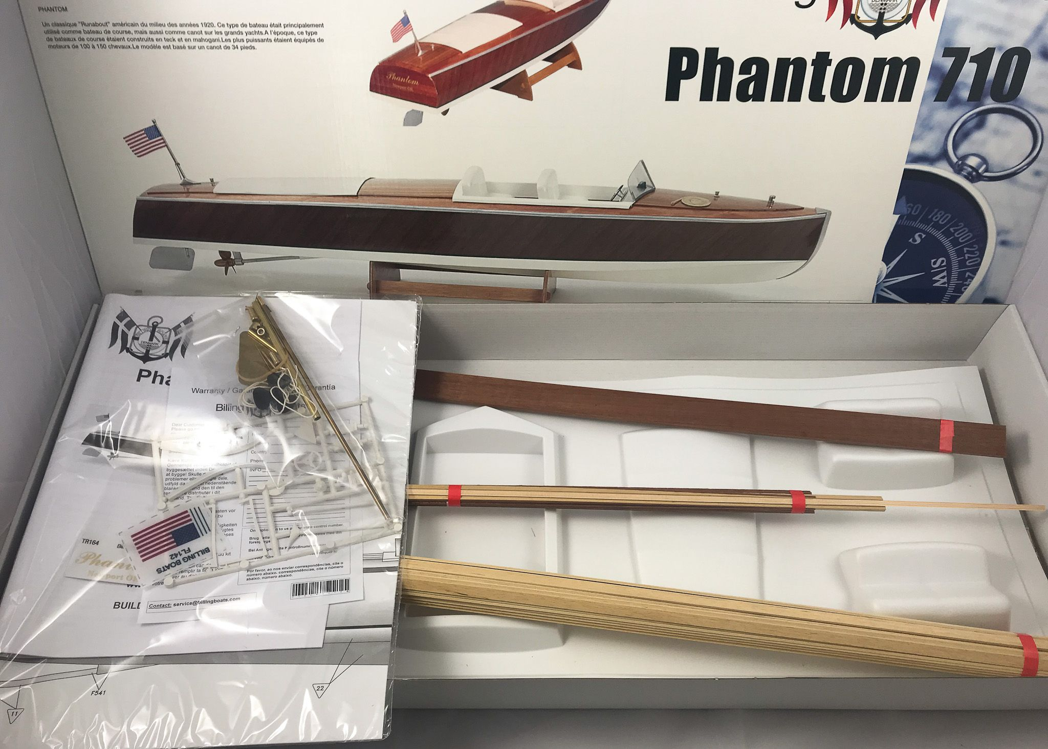 Phantom Runabout Model Boat Kit - Billing Boats (B710)