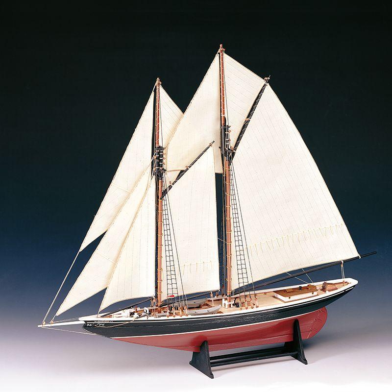 Blue Nose Model Ship Kit - Amati (1447)