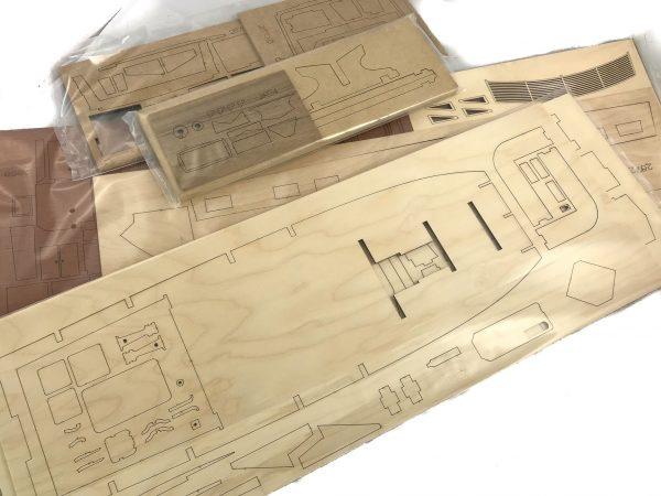 1635-12621-Grand-Banks-Model-Yacht-Kit-Amati-1607