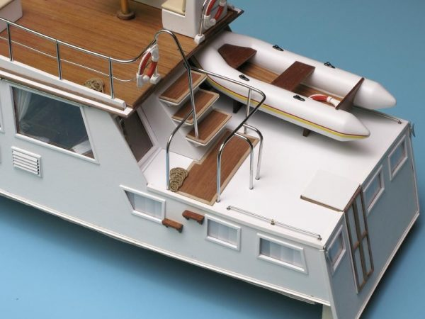 1635-9888-Grand-Banks-Model-Yacht-Kit
