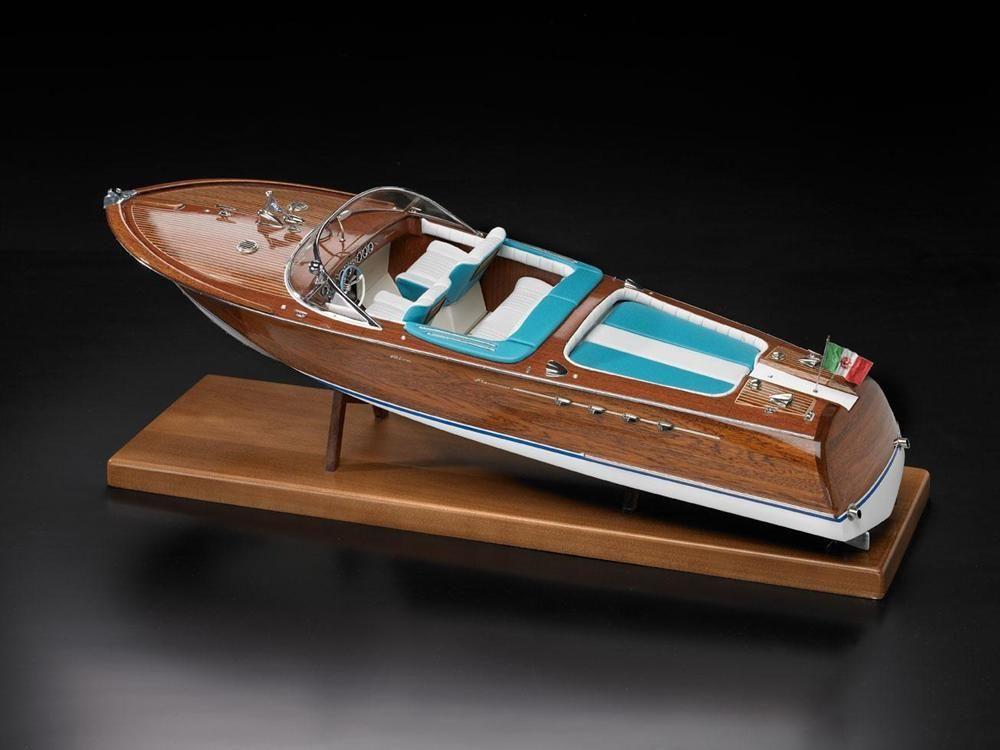 Riva Aquarama Runabout Model Boat Kit - Amati (1608)