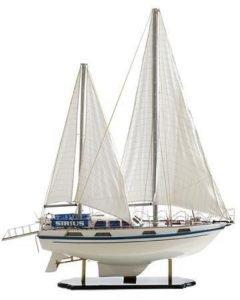 Colvic Victor 40 model yacht
