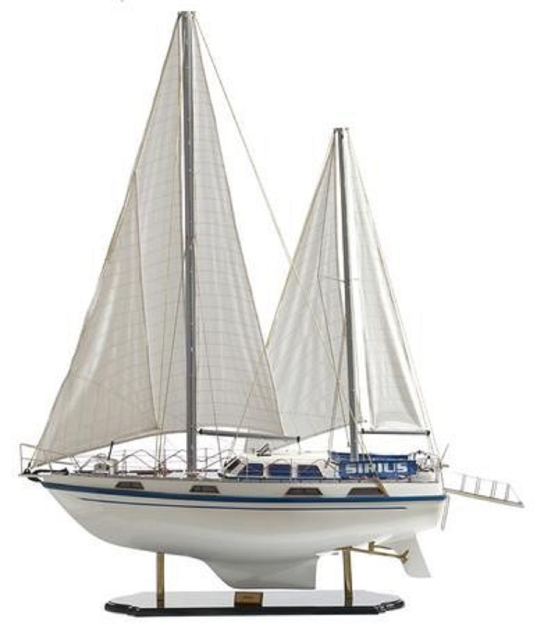 164-6835-Colvic-Victor-40-model-yacht