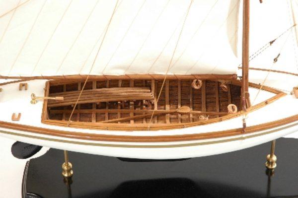 166-8435-Yare-Bure-Model-Yacht-Superior-Range
