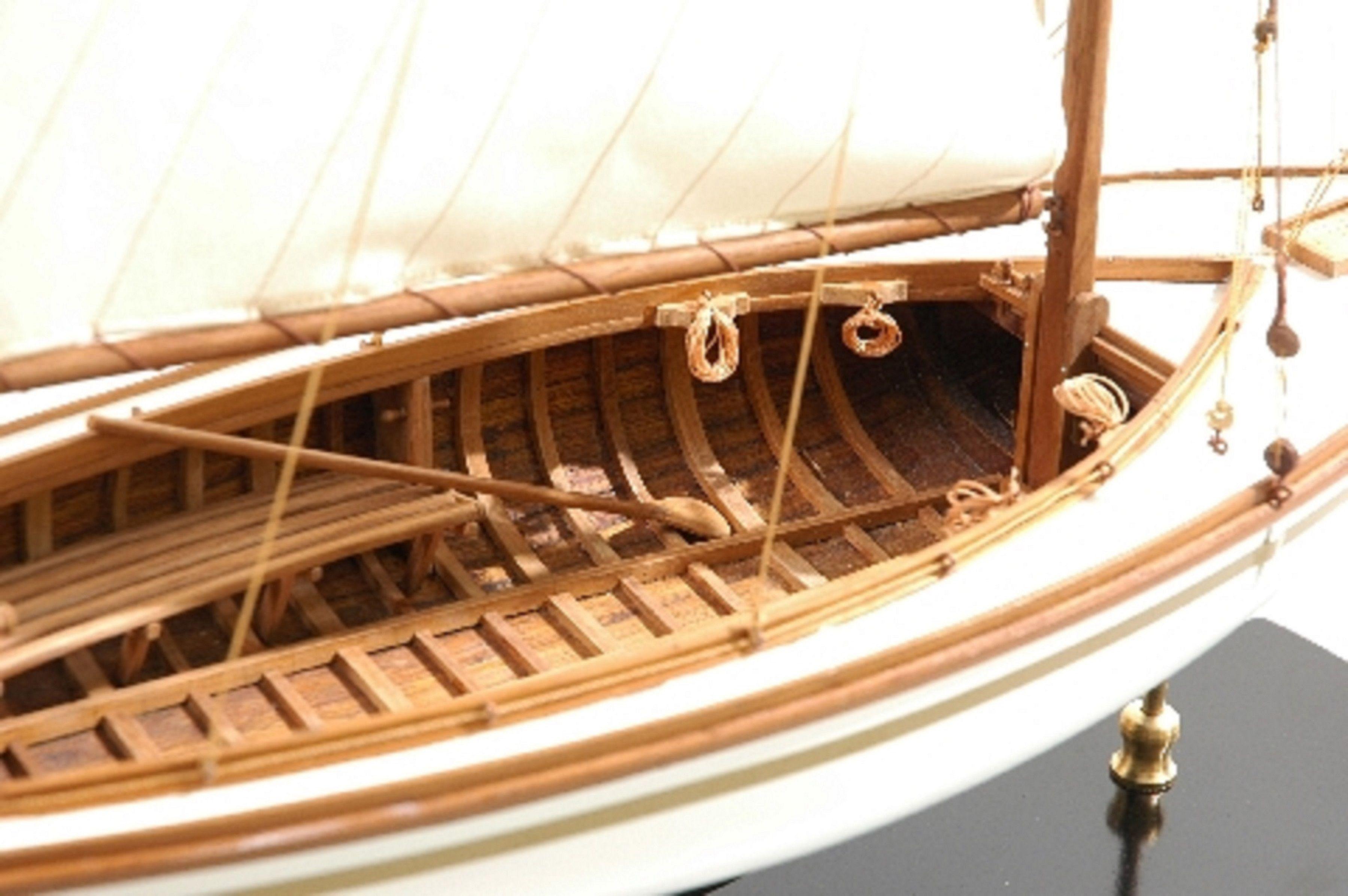 166-8438-Yare-Bure-Model-Yacht-Superior-Range