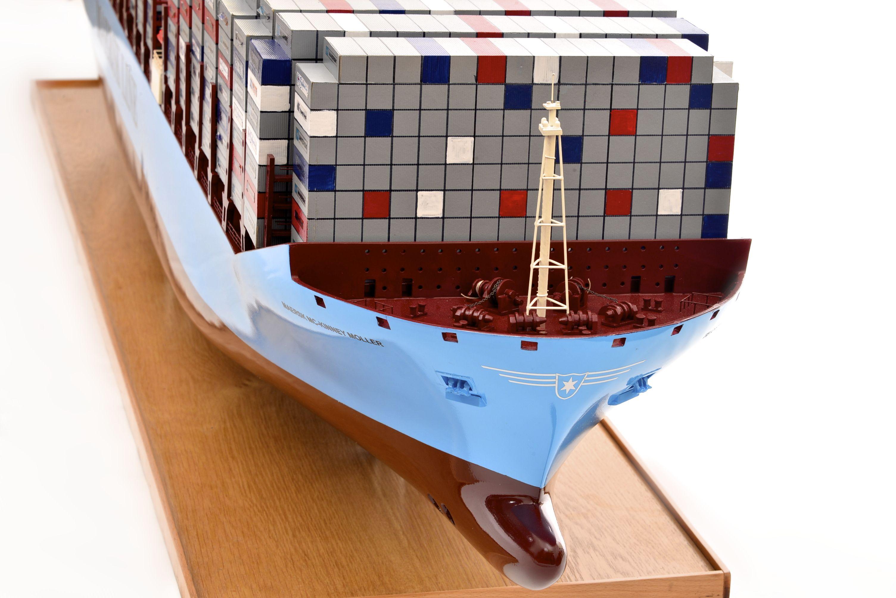 1812-10729-Emma-Maersk-Model-Ship