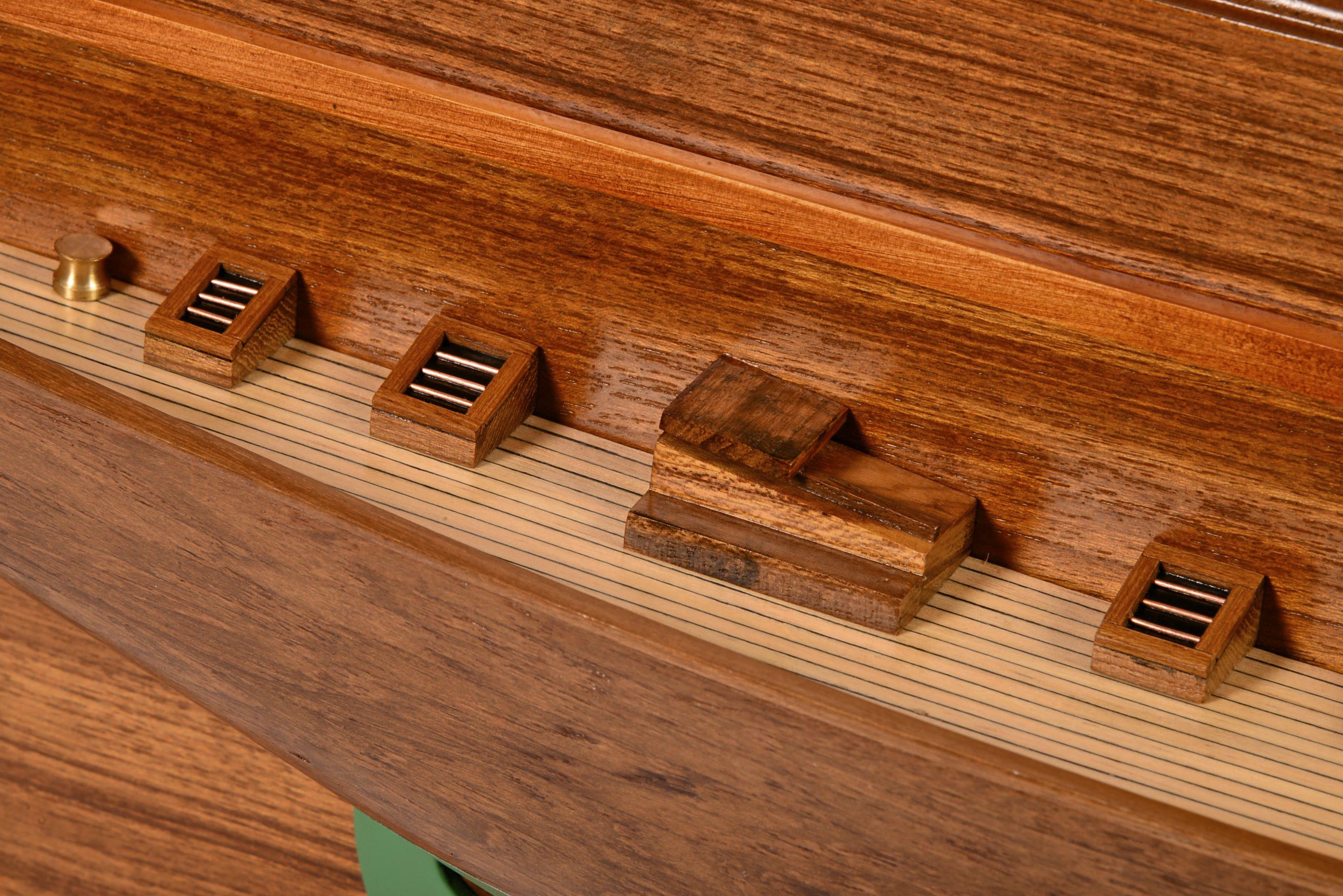 1830-10831-Half-Models