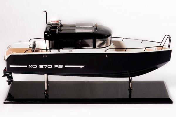 1831-10869-Bahari-Xo-Front-Cabin-Ship-Model