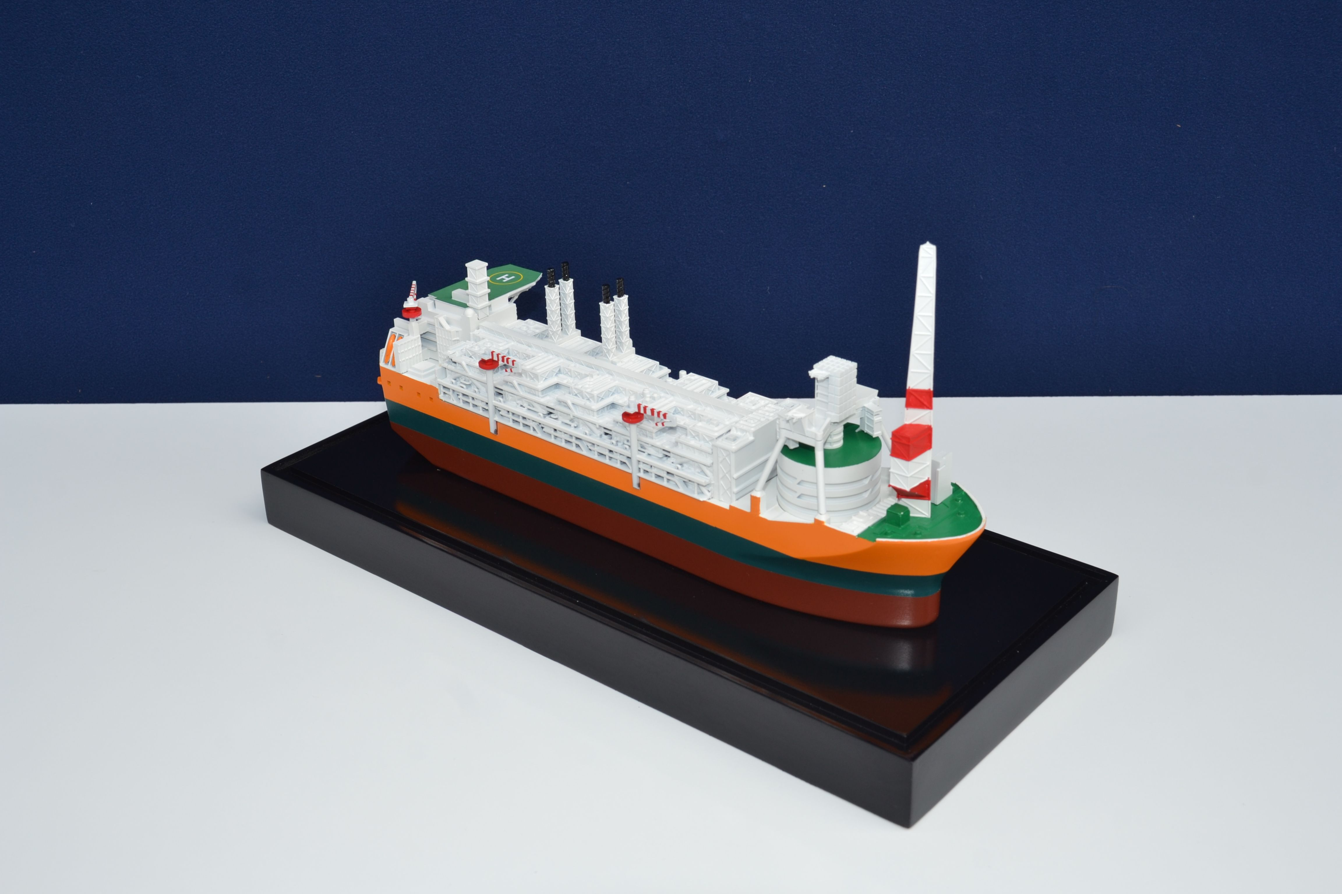 1857-11113-Glen-Lyon-FPSO-Mini-Modele