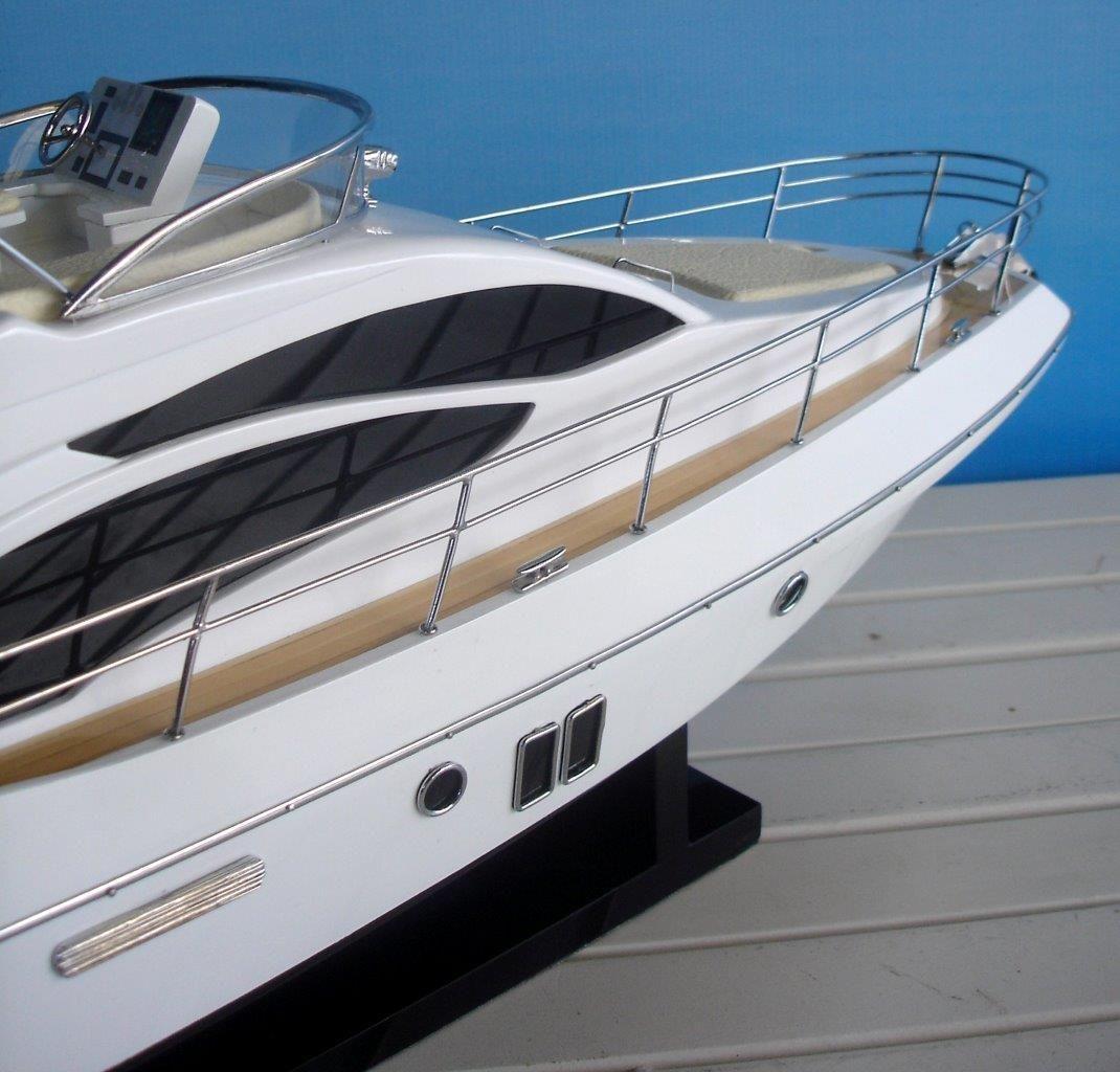 Azimut 40 Wooden Model Ship - GN (SB0079P-60)