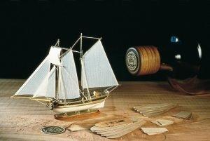 1965-11620-Hannah-Schooner-in-a-Bottle-Ship-Model-Kit-Amati-1355