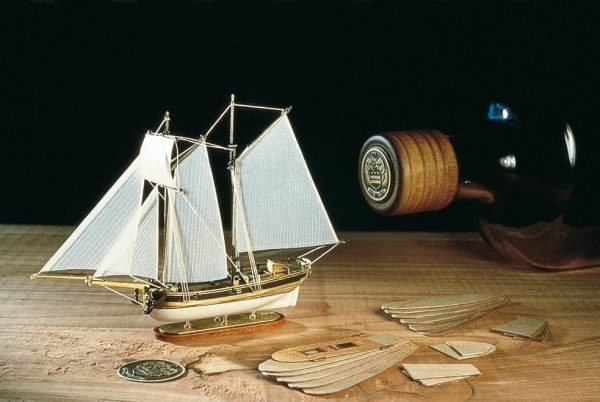 1965-11620-Hannah-Schooner-in-a-Bottle-Ship-Model-Kit-Amati-1355