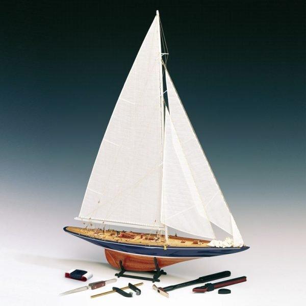 1979-11643-Endeavour-Yacht-Scale-180-Ship-Model-Kit-Amati-170010