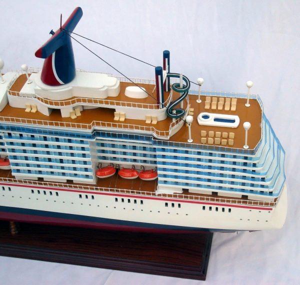 1984-11661-Carnival-MiracleI-model-boat