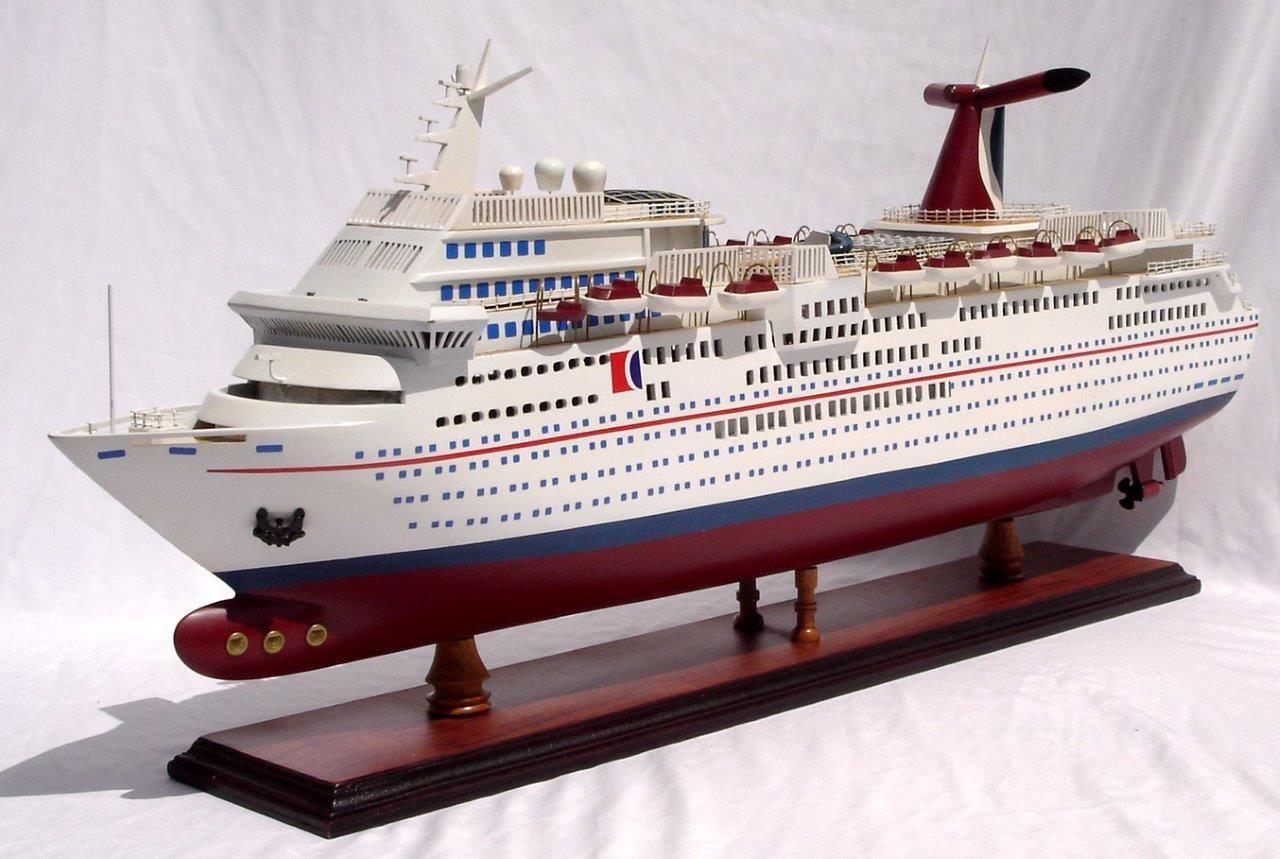 Carnival Paradise Wooden Model Boat - GN (CS0014P)
