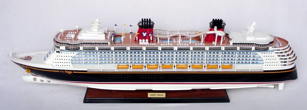 Disney Dream Model Boat - GN (CS0061P-80)