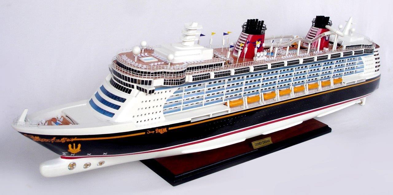 1990-11702-Disney-Dream-Model-boat