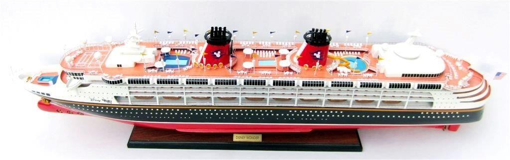 1991-11711-Disney-Wonder-model-ship