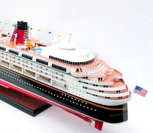 1991-11716-Disney-Wonder-model-ship