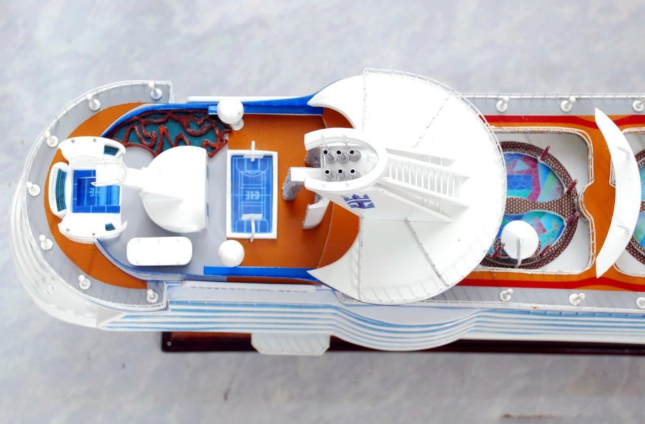 Freedom of the Seas Model Ship - GN (CS0030P)